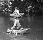 Coracles on the River Teifi 002.jpg